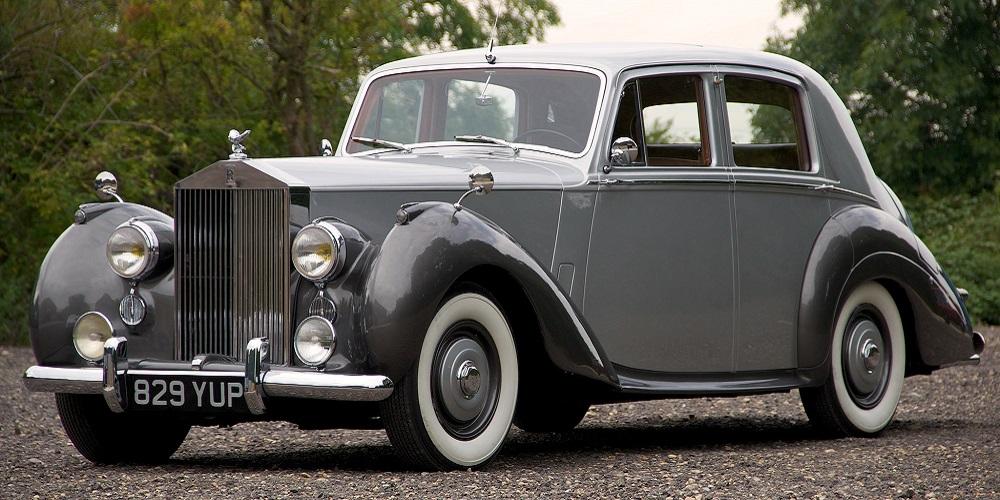 Rolls-Royce вспомнил о модели Silver Dawn
